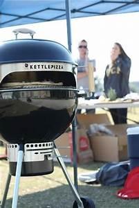 Four A Pizza Weber : kettlepizza deluxe usa pizza oven conversion kit for backyard charcoal grills kpdu 22 ~ Nature-et-papiers.com Idées de Décoration