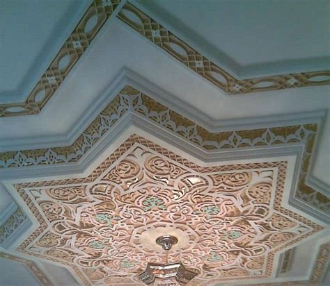 le faux plafond en platre plafond pl 226 tre traditionnel d 233 co plafond platre