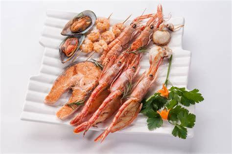 fish seafood shellfish  snails safer eating