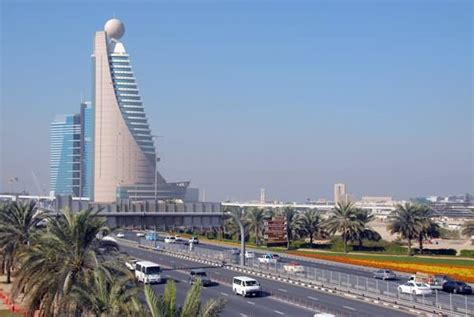 20 Very Beautiful Etisalat Tower, Dubai Pictures And Photos