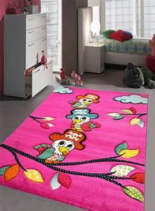 Tapis Chambre Bébé : tapis chambre enfant kids perroquet fuchsia de la collection unamourdetapis ~ Teatrodelosmanantiales.com Idées de Décoration