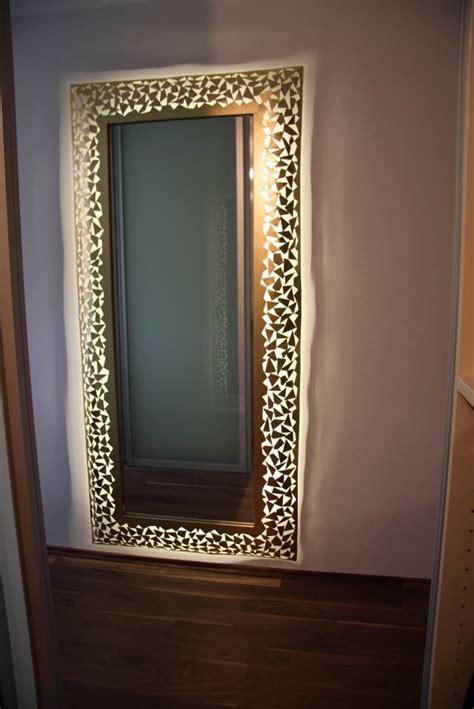 spiegel mit silbernen rahmen spiegel mit rahmen aus 1 mm stahlblech mit led 180 s hinterleuchtet