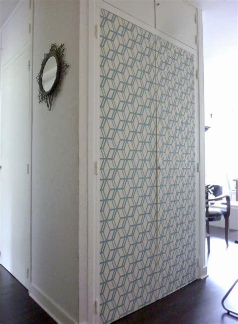 papier peint porte placard