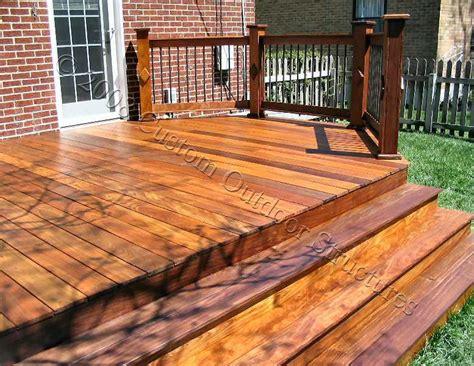 custom  decks  cedar composite materials