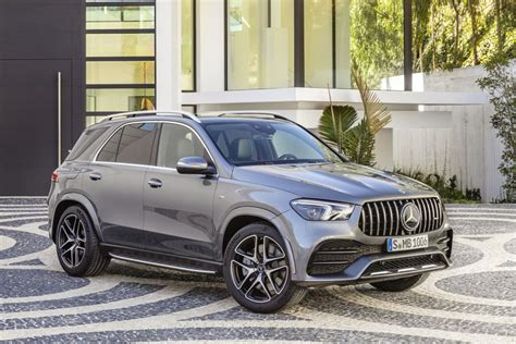 From the outside, the heavily contoured power dome design hints at the immense power delivery. 2021 Mercedes-AMG GLE 53 SUV: Review, Trims, Specs, Price, New Interior Features, Exterior ...