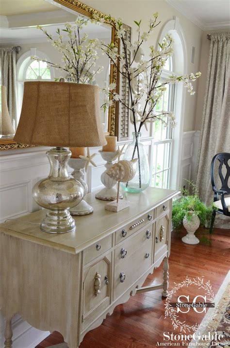 Dining Room Sideboard Decorating Ideas by Elements Of Summer Chic In The Dining Room Stonegable