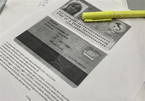 Bambini nati tra il 2001 al 2004: Copia conforme all'originale carta d'identità: fac simile ...