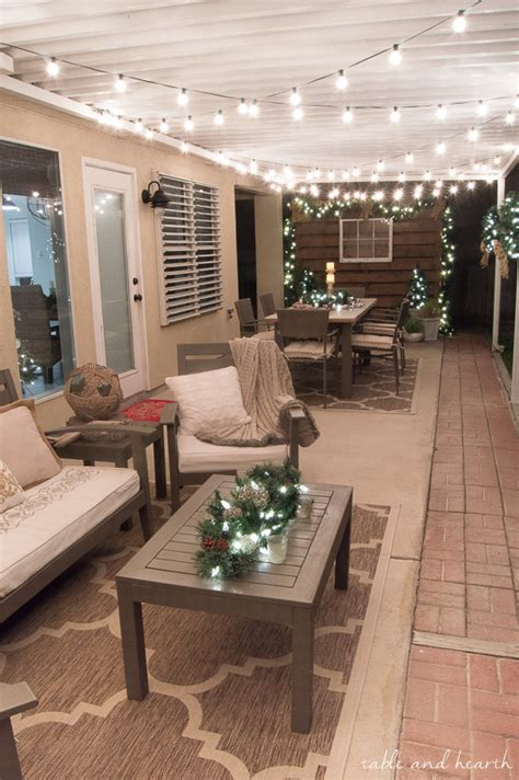 quick  easy hassle  outdoor christmas decor table