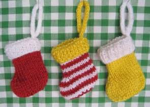 free knitting patterns christmas socks images
