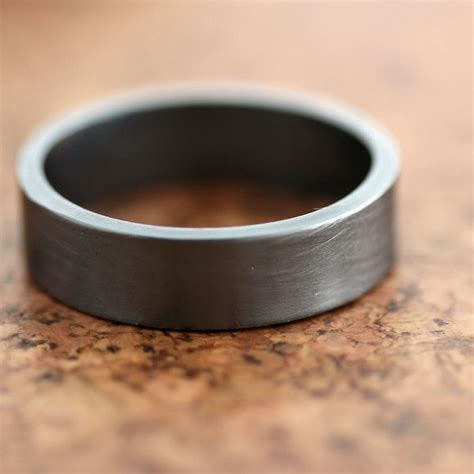 points  mind  picking mens wedding bands