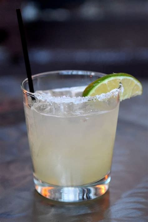 Top Drinks To Order At A Bar - 20 most popular bar drinks classic cocktails you