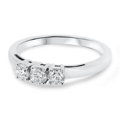 18ct white gold three vintage engagement