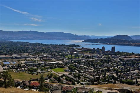 kelowna    grade  attracting newcomers