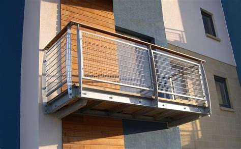 balcony featuring mild steel profiled posts timber