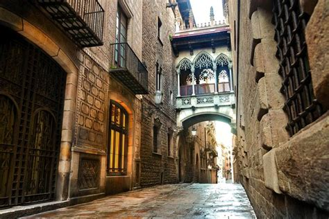 Picasso Museum and El Born of Barcelona - Walking Tour 2020
