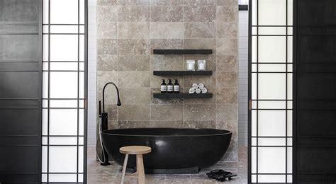 dark indulgence  black bathtubs   stylish dashing