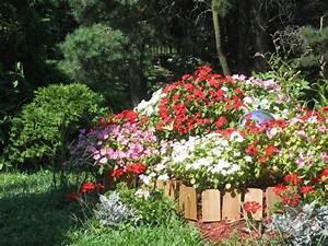 Blumenbeet Gestaltung Mehrjährig : blumenbeet gestalten sch ne ideen f r traumhafte beete ~ Buech-reservation.com Haus und Dekorationen