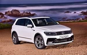 Comparison - Volkswagen Tiguan Sel 2017 - Vs