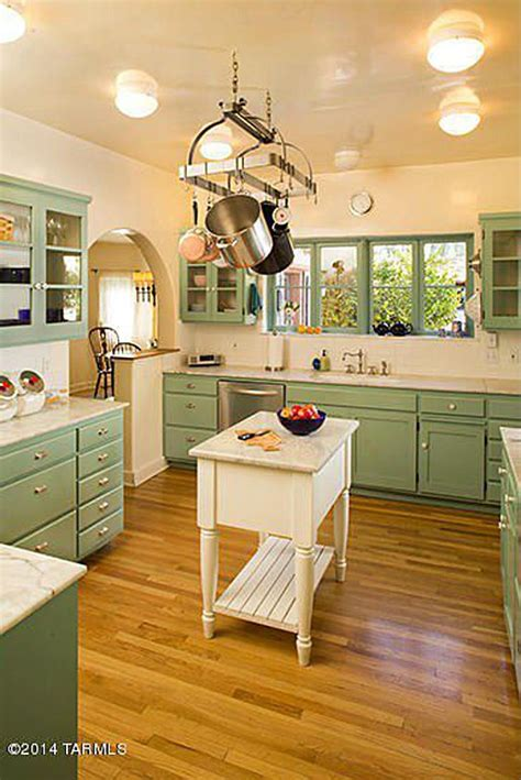 vintage green kitchen  linda ronstadts home  colonia