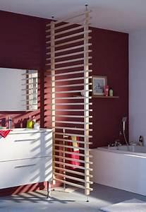Fabriquer Une Cloison Amovible : une cloison en bois amovible pour s parer la salle de bain ~ Melissatoandfro.com Idées de Décoration