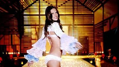Alessandra Ambrosio Secret Victoria Runway Gifs Victorias