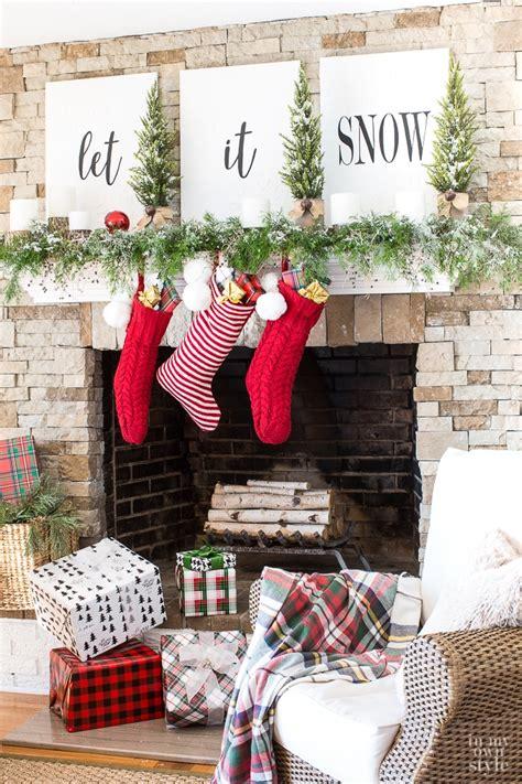 christmas mantel decorating   snow    style
