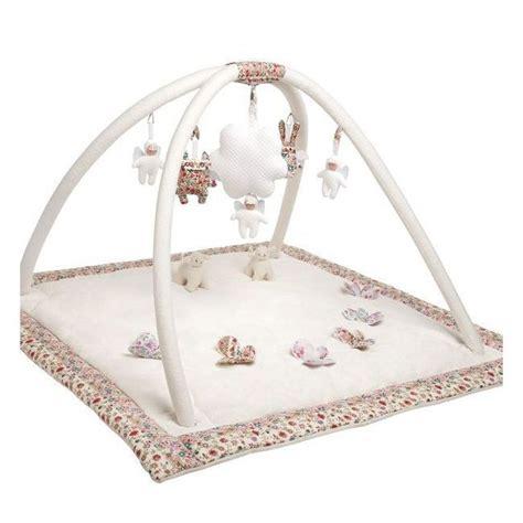 tapis d eveil autour de bebe jouets gt jouets d eveil gt tapis d eveil musical ivoire milk