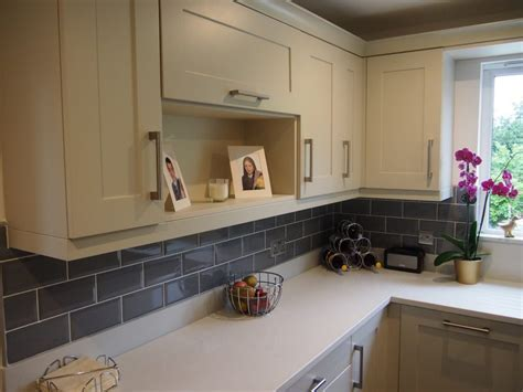 Painted mussel shaker fitted kitchen   The Gallery Fitted