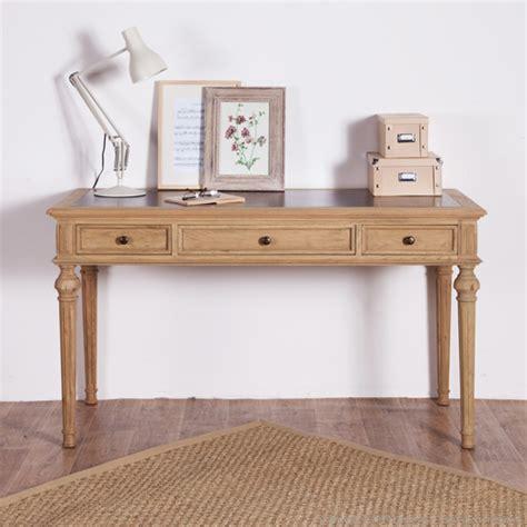 bureau en chene bureau en chêne avec 3 tiroirs chatelain bureau