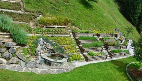 Stufen Garten Hang by Bauerngarten Am Hang Suche Garten