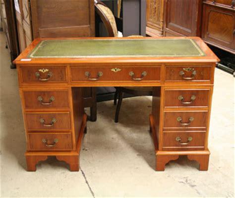 meuble secr騁aire bureau bureau ancien dessus cuir 28 images vente bureau directoire dessus cuir nos meubles antiquit 233 s brocante vendus les meubles antiquit 233