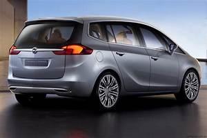 2011 Opel Zafira Tourer Concept Geneva preview - photos