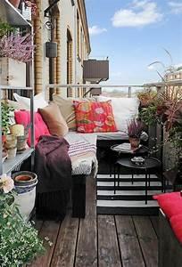 balkon eckbank ein tolles mobelstuck archzinenet With französischer balkon mit kissen für den garten