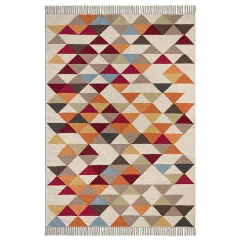 canapé bois et chiffon prix 1000 idées sur le thème tapis kilim sur