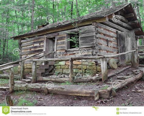hillside cabin plans vieille cabane en rondins sur la colline en bois photo