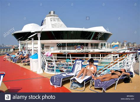 Pool Deck, Royal Caribbean Cruises 'Jewel of the Seas ...