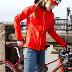 best cycling softshell showers pass women 39 s rogue is a smart stylish cycling