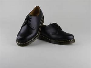 Chaussure Homme Doc Martens : chaussures doc martens 1461 lacets noir cuir lisse ~ Melissatoandfro.com Idées de Décoration