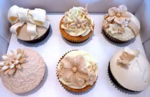 cupcake design vanilla cake design wedding cupcakes