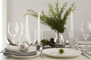 Tischdeko Weihnachten Silber : tischdeko zu weihnachten in silber und gr n 29 ideen ~ Watch28wear.com Haus und Dekorationen