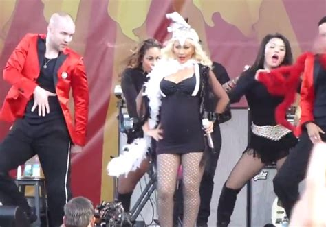 Pregnant Christina Aguilera Rocks 'new Orleans Jazz