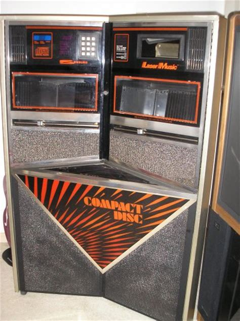 seeburg scd  laser  jukebox holds  cds