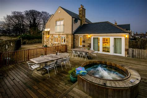 Log Cabins In Northumberland With Tubs by Bamburgh Cottages With Tubs Lifehacked1st