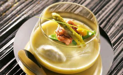 sarriette cuisine bouillon d asperges sot l y laisse et sarriette pour 4