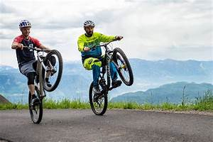 How To Wheelie  With Rob Warner And Tom Oehler Mtb