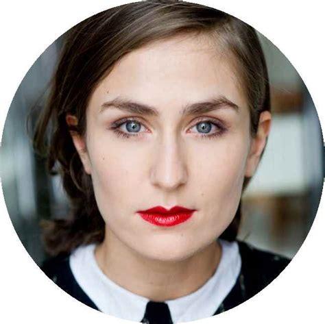 Ileana Tautu rund - Schauspielschule DER KELLER Köln