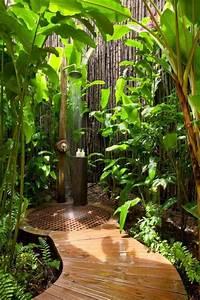 decoration salle de bain exotique With salle de bain design avec fruits décoratifs artificiels