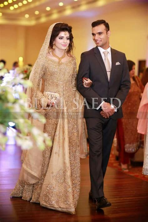 pin  hufsah ehsaan  bridals pakistani bridal dresses bridal dresses nikah dress