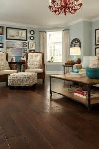 the ottoman and wood floor and wall color house decorators collection