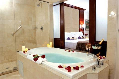 chambre jaccuzzi chambre avec privatif 40 idées romantiques